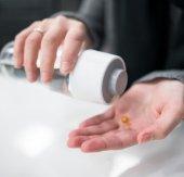 Çok Bölmeli Kabartma yazılı İlaç Ve Su Şişesi-5