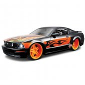 Maisto Ford Mustang Gt 2006 1 24 Harley...