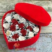 Kalpli Kadife Kutulu Kokulu Kırmızı Beyaz Taş Güller Aranjmanı-2