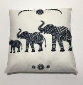 Nevresim Dünyası 3d Dekoratif İçi Dolu Kırlent White Elephant