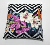 Nevresim Dünyası 3d Dekoratif İçi Dolu Kırlent Zigzag Flower