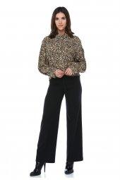 Kuşak Detaylı Bol Paça Bej Pantolon