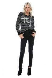 Siyah Yıkama Taşlanmış Efektli Fermuar Detaylı Denim Pantolon