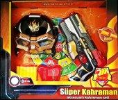 Süper Kahraman Maske,tabanca Ve Dart Aksesuarlı...