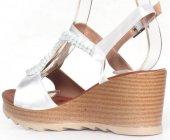 Beyaz Renkli Lastik Kemerli Rahat Taban Jurdan Taban Bayan Sandal-3