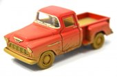 çamurlu 1955 Chevy Stepside Pickup 1 32 Kinsmart Lisanslı Ürün