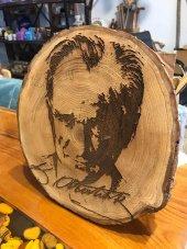 Lazer İşlemeli Atatürk Portresi Doğal Ağaç İşlemeli