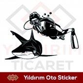 Dalgıç Ve Köpek Balığı Sticker