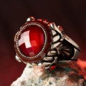 Kılıç Motifli Kırmızı Taşlı Gümüş Erkek Yüzük