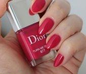 Dior Vernis Nail Lacquer 877 Turn Me Dior Oje