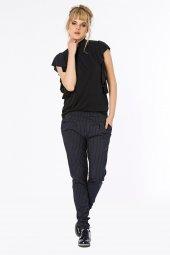 Alava Cupra Görünümlü Kolları Fırfırlı Siyah Bluz 160084 1