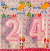 Yirmi Dört 24 Yaş Kız Pasta Mumu Pembe Renk