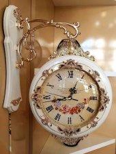 Gold detaylı taşlı beyaz istasyon saat