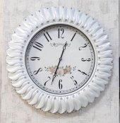 Beyaz Sedefli Ve Taşlı Duvar Saati