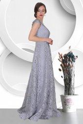 Yakası Tül Detaylı Üstü Dantelli Uzun Abiye Elbise-3