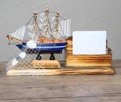 Dekoratif Yelkenli Ahşap Gemi Kartvizitlik
