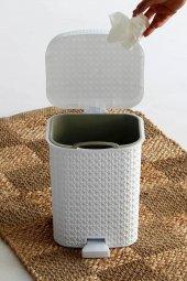 Örgü desenli Beyaz rengi plastik pedallı çöp kovası 8 LT-2