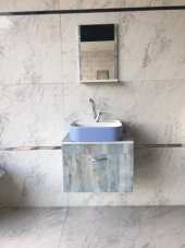 Banyo Dolabı Etajerli Ayna 42x42 Güral Mat Mavi Lavabo.