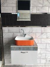 Banyo Dolabı Etajerli Ayna 42x42 Güral Turuncu Lavabo Mix Batarya