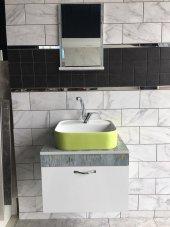 Banyo Dolabı Etajerli Ayna 42x42 Güral Yeşil Lavabo Mix Batarya