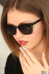 Füme Renk Kare Çerçeveli Clariss Bayan Güneş Gözlüğü