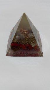 Orgonit Piramit 6,5 Cm Doğal Taşlardan Üretilen Biyo Enerjikaynağı