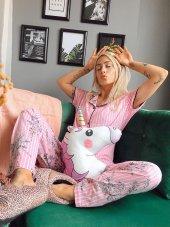 Pembe Çiçek Kuş Desenli Önden Düğmeli Kısa Kollu Pijama Takımı