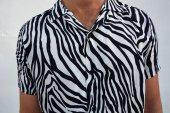 Zebra Desenli Siyah Beyaz Vintage Retro Gömlek