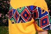 Aztec Stil Çiçek Desen Vintage Sarı Retro Tişört