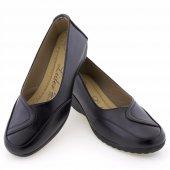 Siyah Burnu Dikişli Parça Motifli Günlük Bayan Ayakkabı