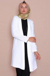 Pervazlı Uzun Beyaz Ceket-3