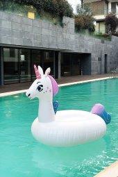 Pembe Ve Mor Renkli Şişme Unicorn Deniz Yatağı