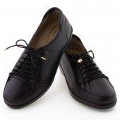 Siyah Lastikli Bağcıklı Ortopedik Diyabetik Bayan Ayakkabı