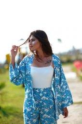 Mavi Çiçek Desenli Beyaz Kimono Takım