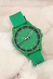 Spor Model Yeşil Renk Kordon ve Kasa Silikon Kadın Saat
