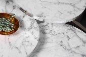 Som Tasarım Beyaz Mat Mermer Görünümlü Parlak Kenarlı Zigon Sehpa-10