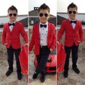 Kırmızı Ceketli Erkek Çocuk Takım Elbise