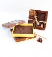 Liva Kırma Beyoğlu Çikolatası Sütlü Yaban Mersini