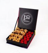 Liva Ayıcık Renkli Kalp Çikolata Kutu-2