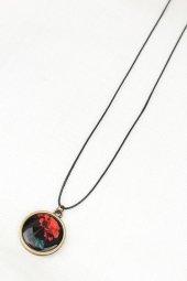 Kırmızı Gül Desenli Eskitme Metal Siyah Renk Deri İpli Bayan Koly-2