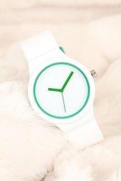 Beyaz Renkli Silikon Bayan Saat