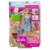 Barbie Ve Hayvanları Banyo Eğlencesinde Oyun...