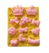 Kral Ve Kraliçe Tacı Kalp Kurdele Şeklinde Silikon Pasta ve Seker Hamuru Kalibi 3x2,5x1 cm