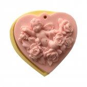 Güllerin İçinde Melek Figürlü Kalp Şeklinde Silikon Pasta Ve Seker Hamuru Kalibi