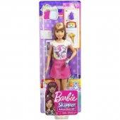 Barbie Bebek Bakıcısı Barbie Bebekler