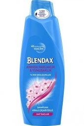 Blendax Kiraz Çiçeği Özlü Şampuan 550 ml