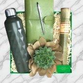 Bir Tatlı Yeşil Hediye Kutusu