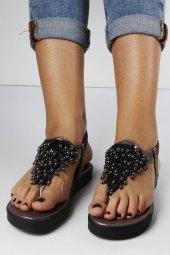 Boncuklu Parmak Arası Sandalet