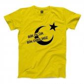 Bir Ölür Bin Dirliriz Kısa Kollu Sarı Tişört