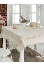 El Dokuması Ponponlu Masa Örtüsü 160x220 Cm